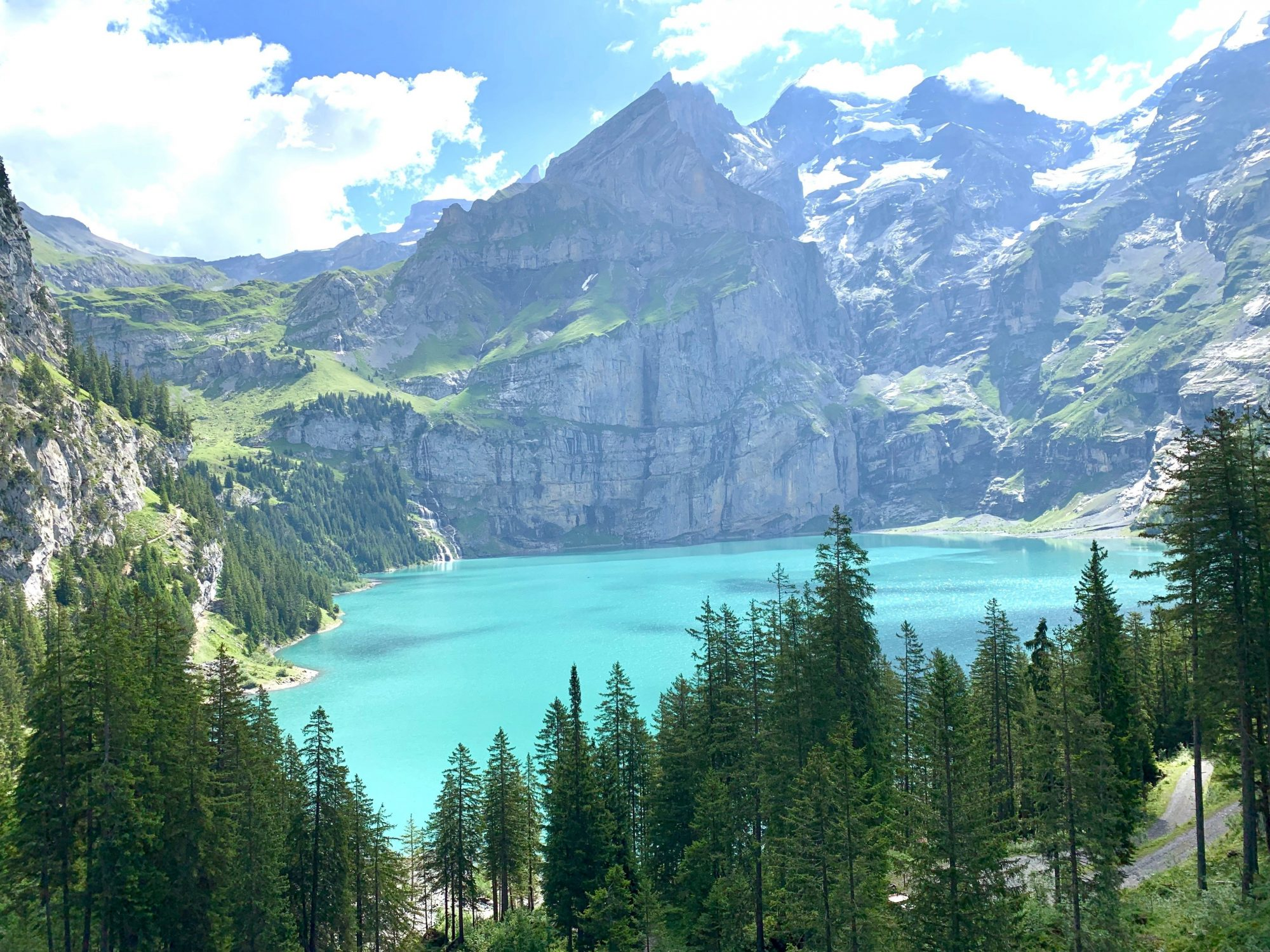 Oeschinensee – A beautiful hike to the stunning blue lake