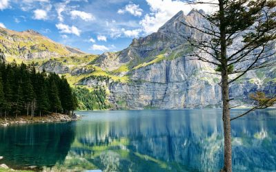 Hike to Oeschinensee – The prettiest lake in Switzerland!